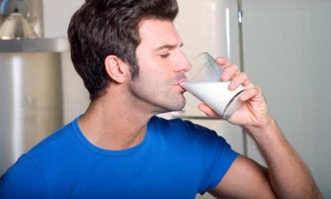 Молоко содержит в своем составе такие ценные вещества, как белок и кальций. Они требуются поджелудочной железе для полноценной работы, обеспечивая нормальный процесс выработки ферментов