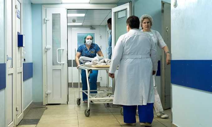 Если увеличенная поджелудочная железа является симптомом острого воспалительного процесса, терапия проводится в стационарных условиях