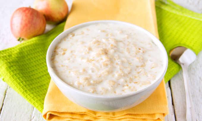 Овсяная каша входит в список диетических блюд, рекомендованных при болезнях поджелудочной железы
