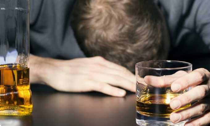 Злоупотребление алкогольными напитками может дать развитие осложнений