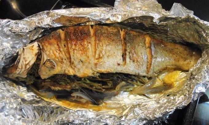 Блюда из диеты номер 5 должны быть сытные. Поэтому рацион следует пополнить рыбой, запеченной в духовке