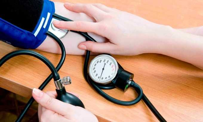 В некоторых случаях болезнь может спровоцировать гипертония