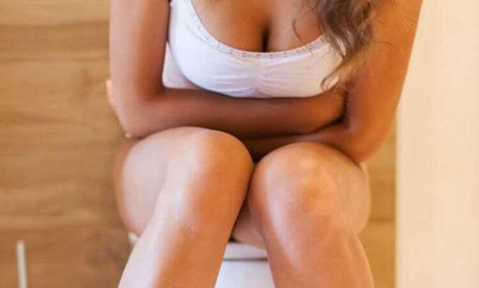 При развитии болезни у человека может появиться диарея