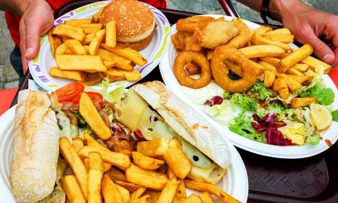Питание должно быть основано на полном исключении любых жареных блюд