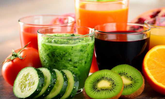 Фруктовые соки лучше пить с мякотью, так в них остается больше клетчатки