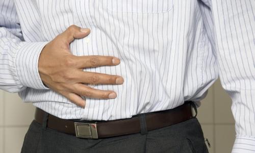 Симптомом рака печени и поджелудочной железы является тяжесть после еды в подложечной области