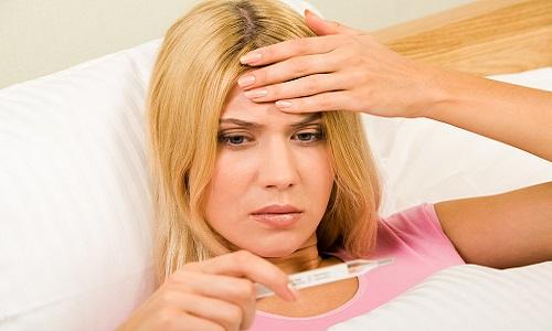 При развитии синдрома раздражения брюшины у больного резко поднимается температура тела. Такое состояние требует неотложной медицинской помощи