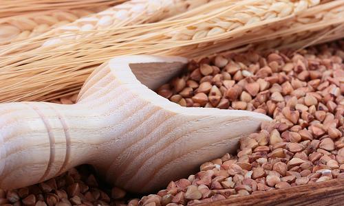 Рецепт приготовления сырой крупы с кефиром, но его польза не подтверждена традиционной медициной
