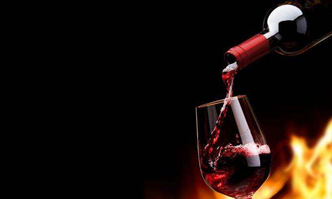 Обострение хронического панкреатита часто является следствием злоупотребления алкоголем