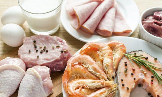 Максимальному щажению поджелудочной железы и других органов пищеварения будет способствовать включение в рацион пищи с повышенным содержанием белков