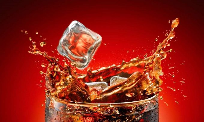 Употребление газированных напитков чревато развитием панкреатита