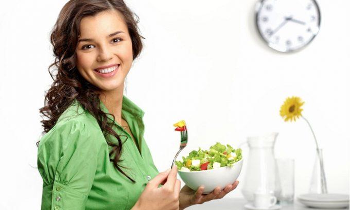 Кроме этого, больной должен соблюдать специальное диетическое питание
