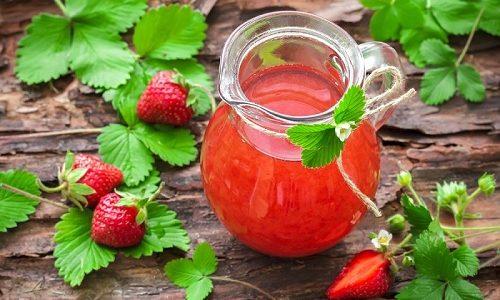 Ужин во вторник будет вкусным и полезным, если в конце запить его свежим компотом из ягод