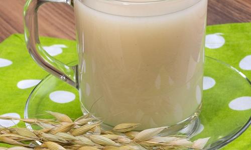 Наиболее действенным средством при заболеваниях поджелудочной железы считается овсяный отвар, так как он сохраняет все полезные свойства свежего злака