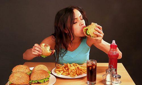 Большую роль в возникновении заболевания играет неправильное питание