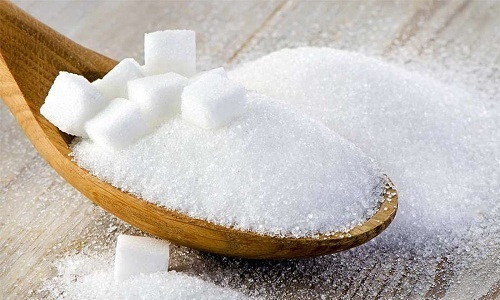 В полезный для поджелудочной железы фруктово-овощной салат можно добавить небольшое количество сахара