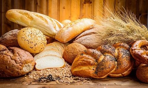 При наличии фиброзного поражения поджелудочной железы из рациона нужно исключить хлебобулочные изделия