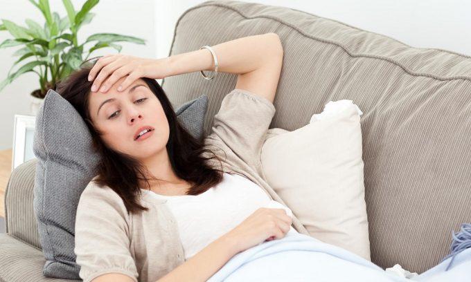 Хроническая усталость является одним из симптомов развития паренхиматозного панкреатита