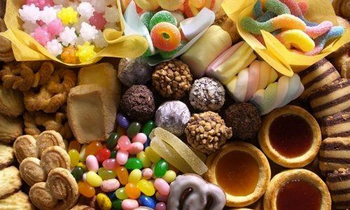 При нарушении эндокринной функции следует снизить потребление сахара, который содержится в шоколадных конфетах, леденцах, кондитерских изделиях