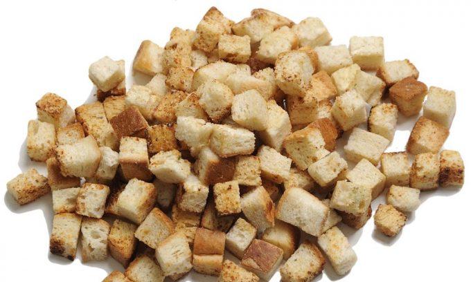 Пшеничные сухари должны входить в рацион больного панкреатитом