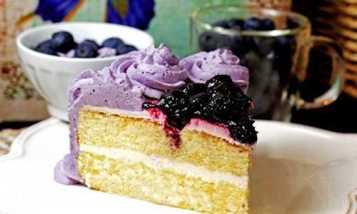 Диета сильно ограничивает сладости. Специалисты запрещают практически все виды тортов