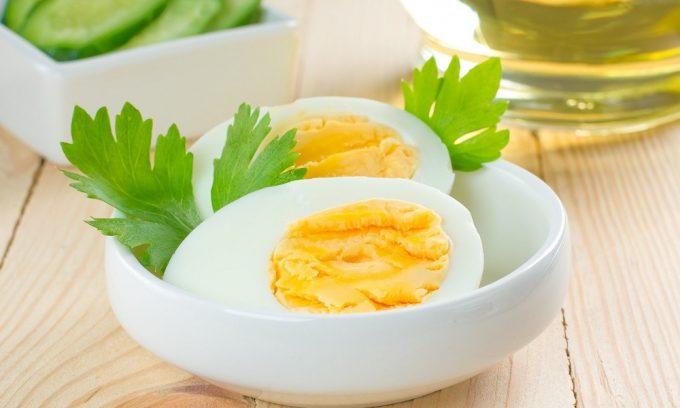 Яичные желтки обладают выраженным желчегонным действием, чего следует избегать при остром панкреатите