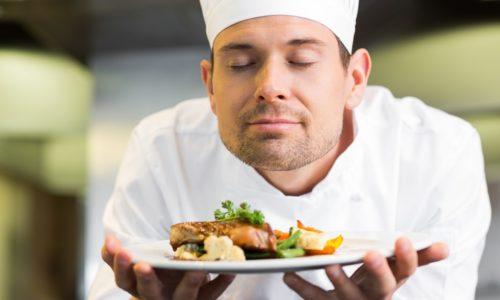 Железа вырабатывает пищеварительные ферменты под влиянием условнорефлекторных факторов (вид и запах пищи)