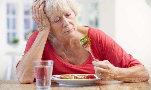 По мере роста новообразования в печени у человека возникает отсутствие аппетита