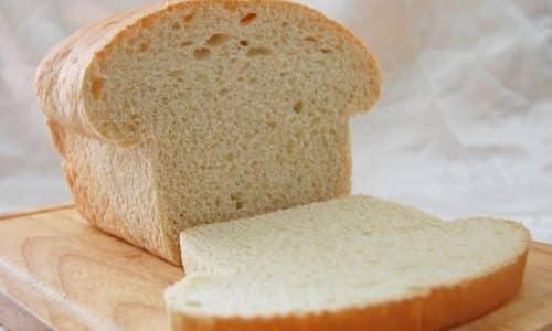 Хлеб для находящихся на диете берут белый, из муки высшего сорта, желательно вчерашней выпечки