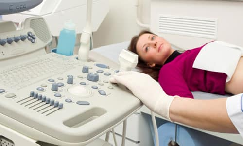 Рекомендуется регулярно проходить медицинский осмотр, который включает в себя УЗИ органов брюшной полости